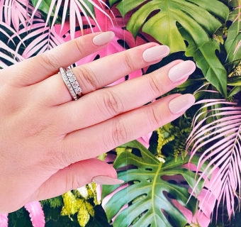 Everything you need to know about getting acrylic nails for the first time